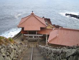 宇津観音寺観音堂の写真です。